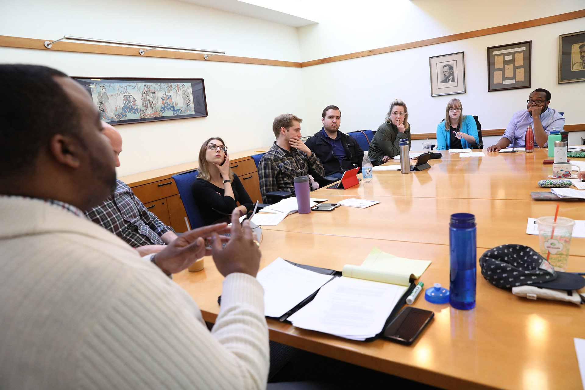 Assistant Dean Kelvin Dinkins, Jr. leads a Theater Management seminar, Yale School of Drama, 2018. Photo by Joan Marcus.